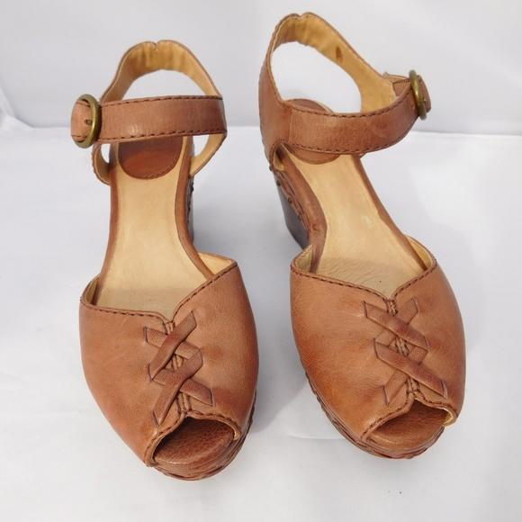 b2ca5beb697 Frye Shoes - FRYE BLAIR LACE UP PEEP TOE WEDGE SHOES 6.5M
